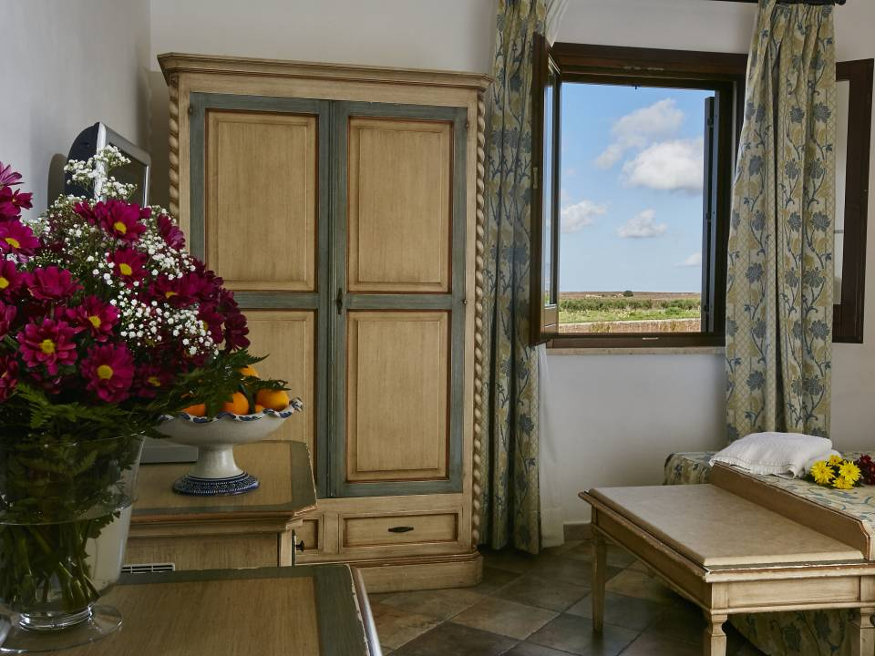 DELUXE ROOM WITH VIEW - Baglio Donnafranca - Ansaldi winery - Ansaldi Winery - Baglio Donna Franca 3