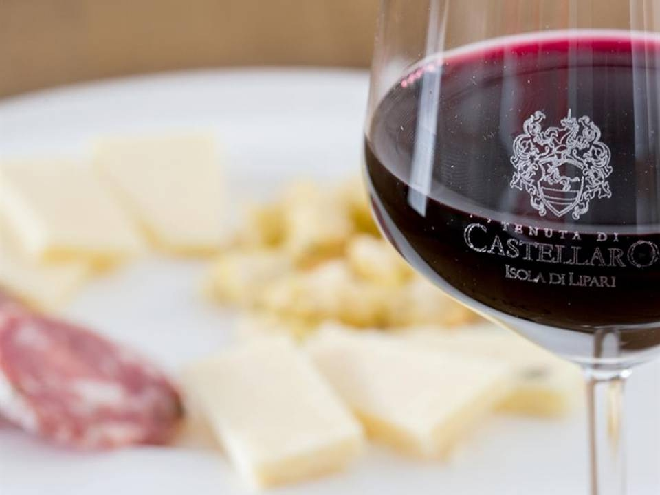 LUNCH ON THE ESTATE + GUIDED WINERY TOUR Tasting - Tenuta di Castellaro S.r.l. 1