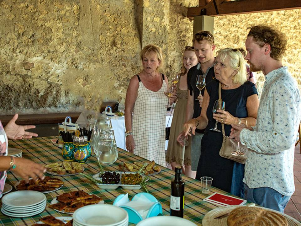 Wines of Roses and Territorial Wines Tasting - Masseria del Feudo - Masseria del Feudo Winery
