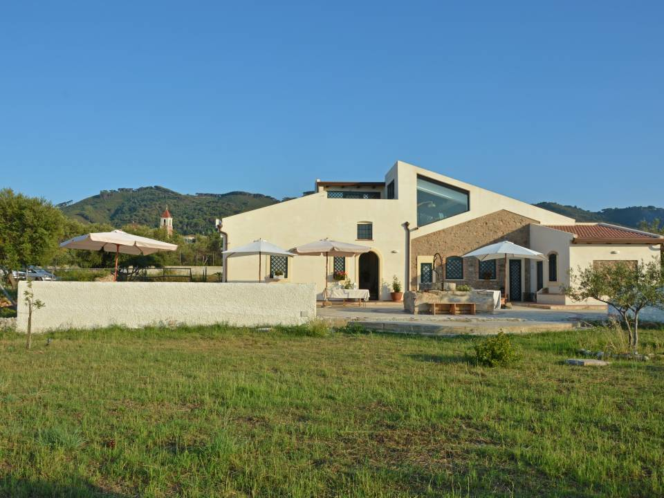 Francesco Giostra Reitano Winery farm17